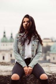 Pari-Sophie Hinedi, Student